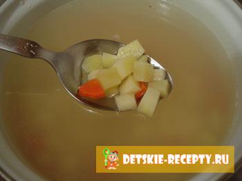 суп с домашней колбасой