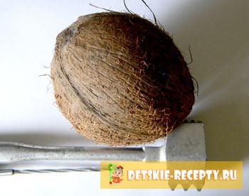 как расколоть кокосовый орех