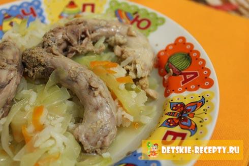 куриные шейки с капустой и рисом
