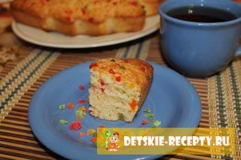 готовый пирог с цукатами