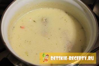 сваренный суп с сырками