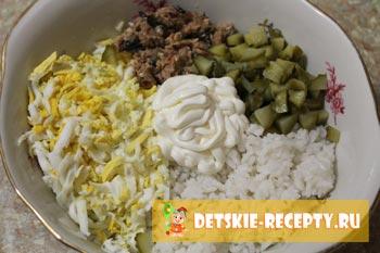 продукты для салата из рыбной консервы