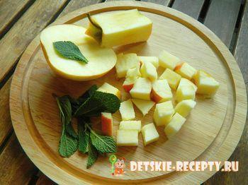 яблочный десерт со сливками
