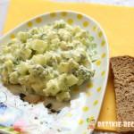 салат: яйцо и свежий огурец