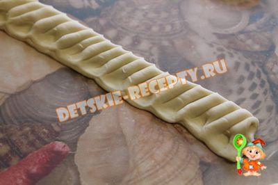 хризантемы из слоеного теста