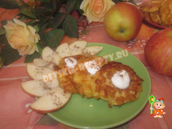 оладьи из яблок с корицей