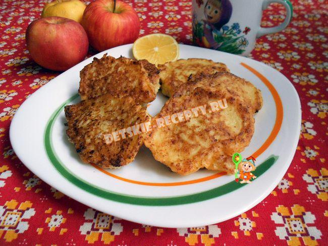оладьи из творога и яблок для детей