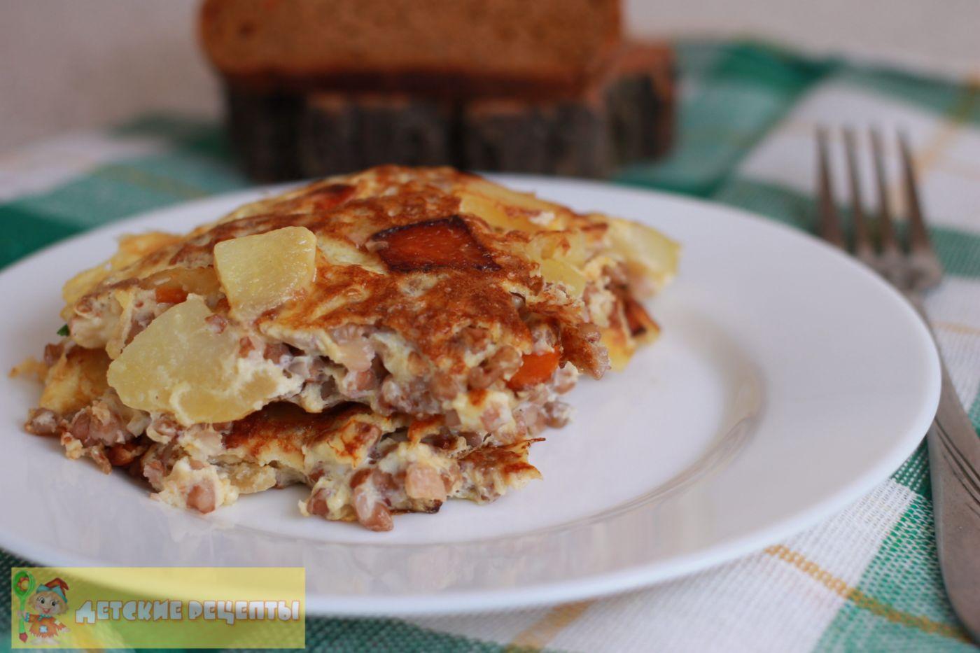 омлет с картошкой и гречневой крупой
