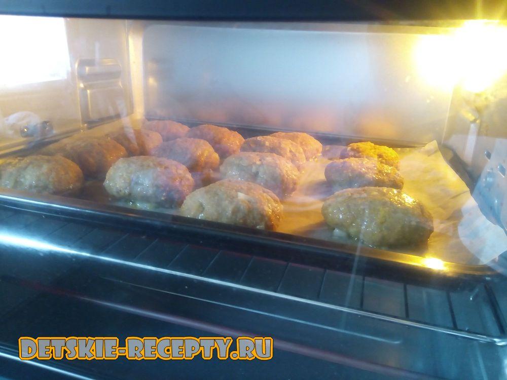котлеты из телятины в духовке